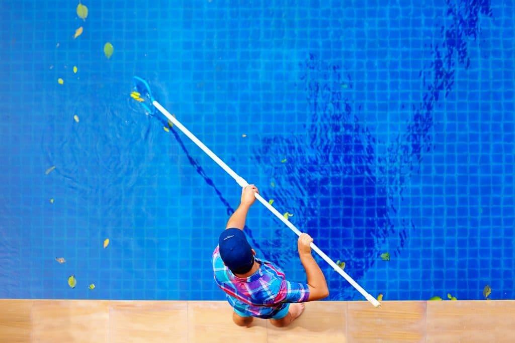 Обслуживание технического оборудования бассейна